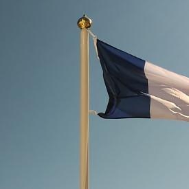 Mâts pour les drapeaux